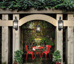 Outdoor Entertaining: Get the Right Light!